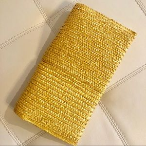 Bags - Trendy Woven Straw Clutch